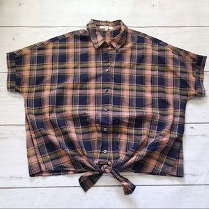 Madewell short sleeve plaid tie-front shirt